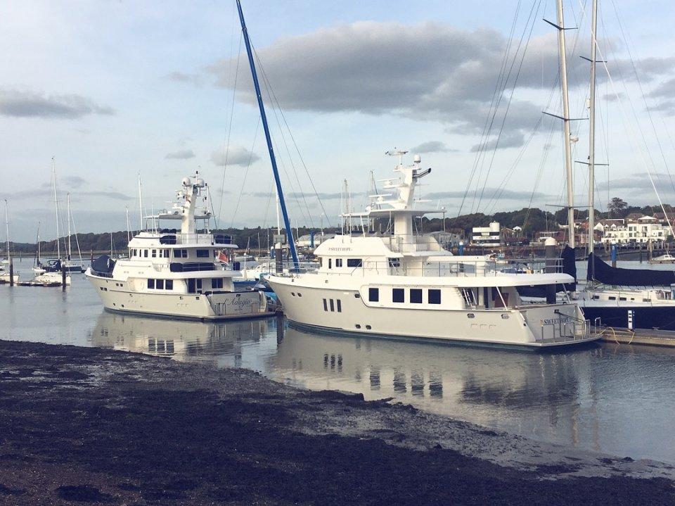 N76 Hamble point marina
